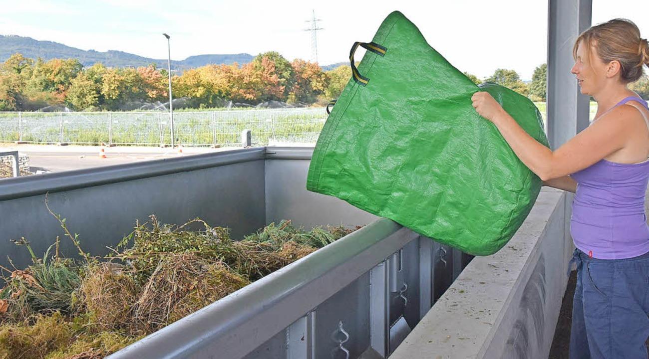 Vor allem Frauen bemängeln, dass man G...ss, um ihn im Container zu entsorgen.   | Foto: Heinz Vollmar