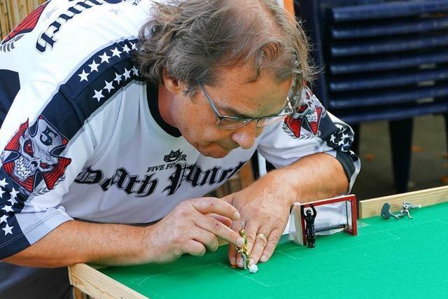 Spieler des Tipp-Kick-Clubs-Dreiländereck brauchen Fingerspitzengefühl