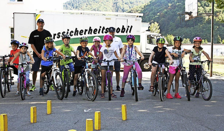 <BZ-FotoAnlauf>Ferienprogramm Hausen:<...ihren Rädern sicheres Fahren zu üben.   | Foto: Ralph Lacher