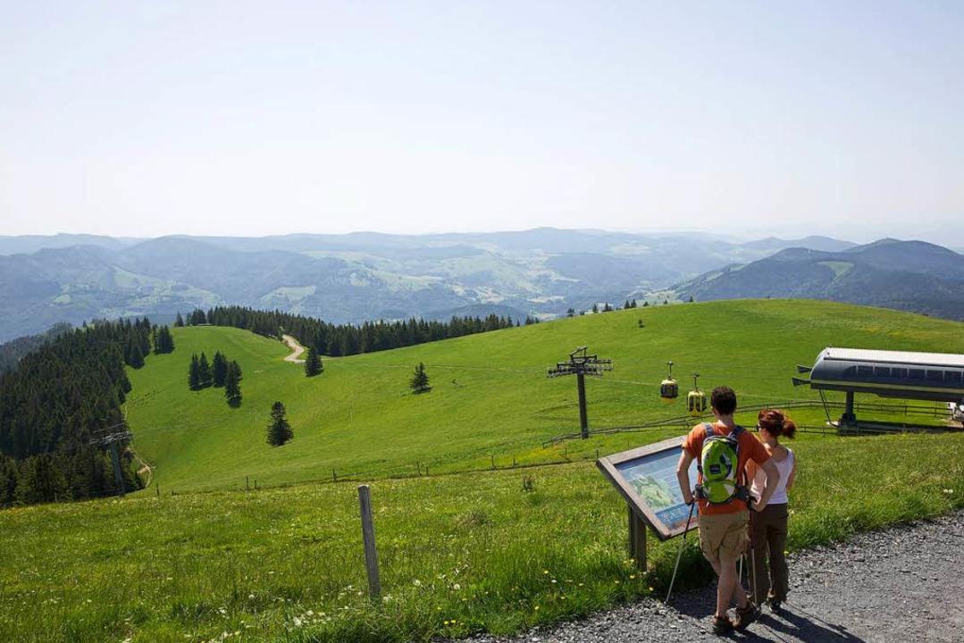 Für viele ist der Belchen der schönste Aussichtsberg im Schwarzwald.  | Foto:  Schwarzwaldregion Belchen/Ulrike Klumpp