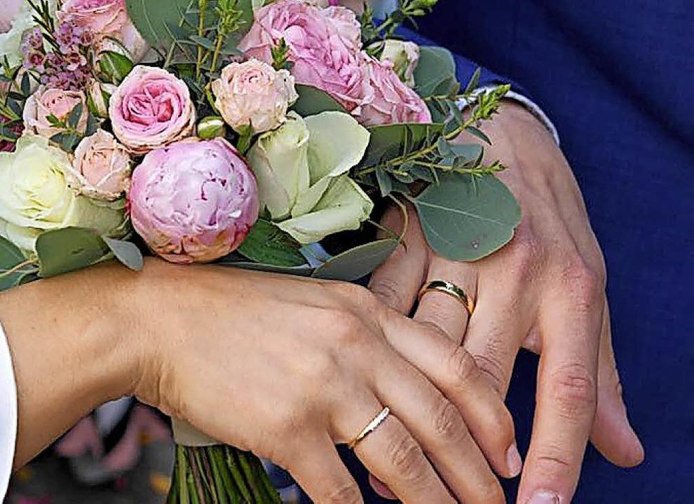 Ein merkfähiges Hochzeitsdatum wählen immer mehr Heiratswillige.  | Foto: Gerhard Walser