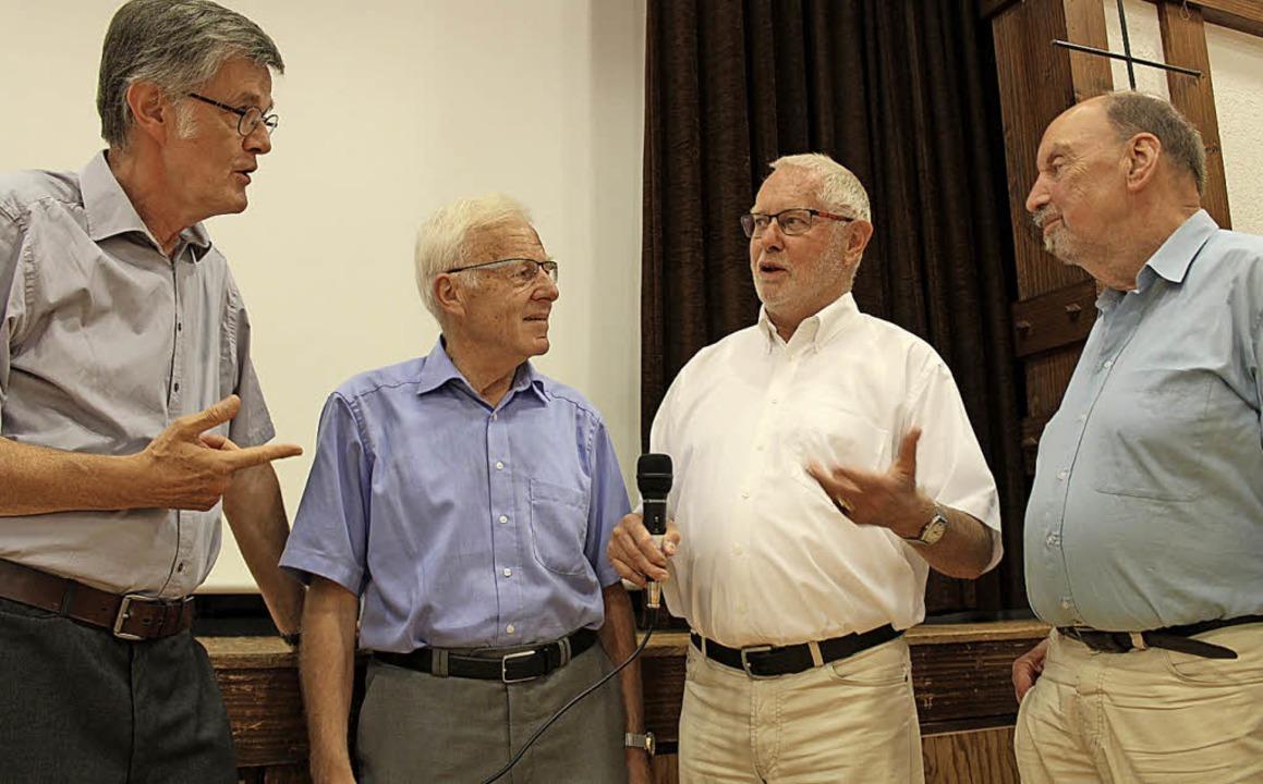 Der  Heimatgeschichtlicher Arbeitskrei... und Hans-Otto Mühleisen (von links).   | Foto: Erich Krieger