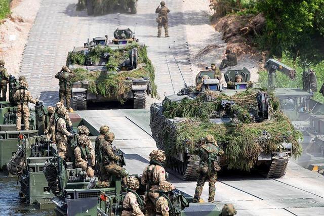 Bundeswehr schickt 8000 Soldaten und 100 Panzer in Nato-Manöver