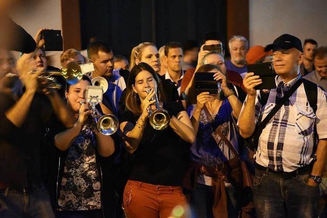 Marsch und Gegenmarsch nach Rassismusvorwürfen gegen Basler Guggenmusik