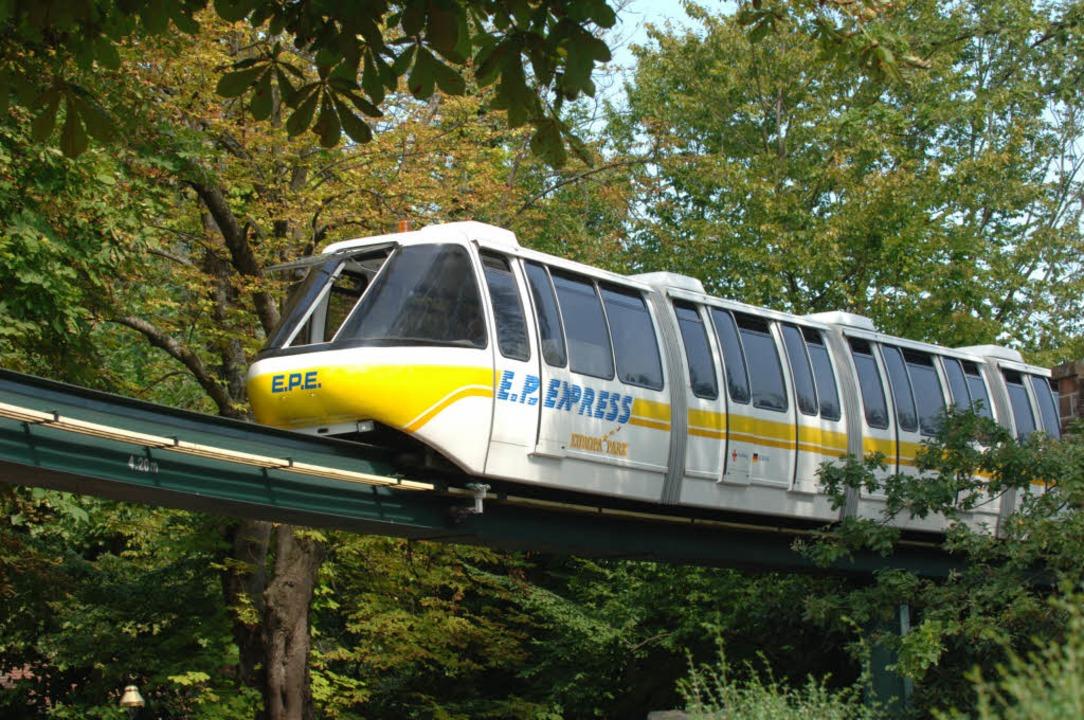 Zwischen zwei Zügen, die Menschen von ...at es am Samstag einen Unfall gegeben.    Foto: Europa-Park