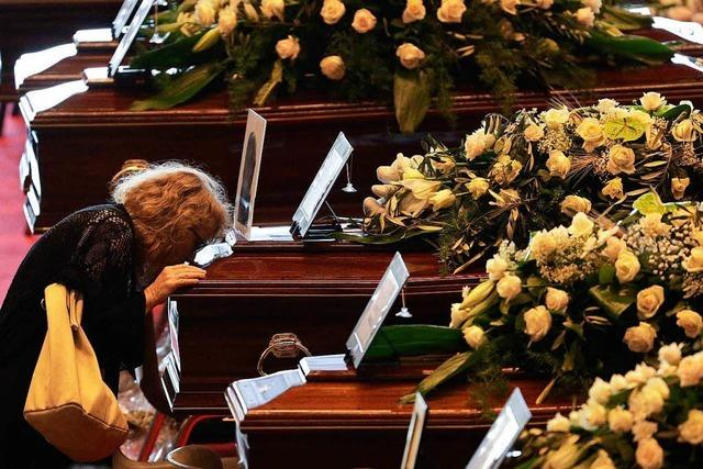 Teil der Angehörigen boykottiert staatliche Trauerfeier in Genua