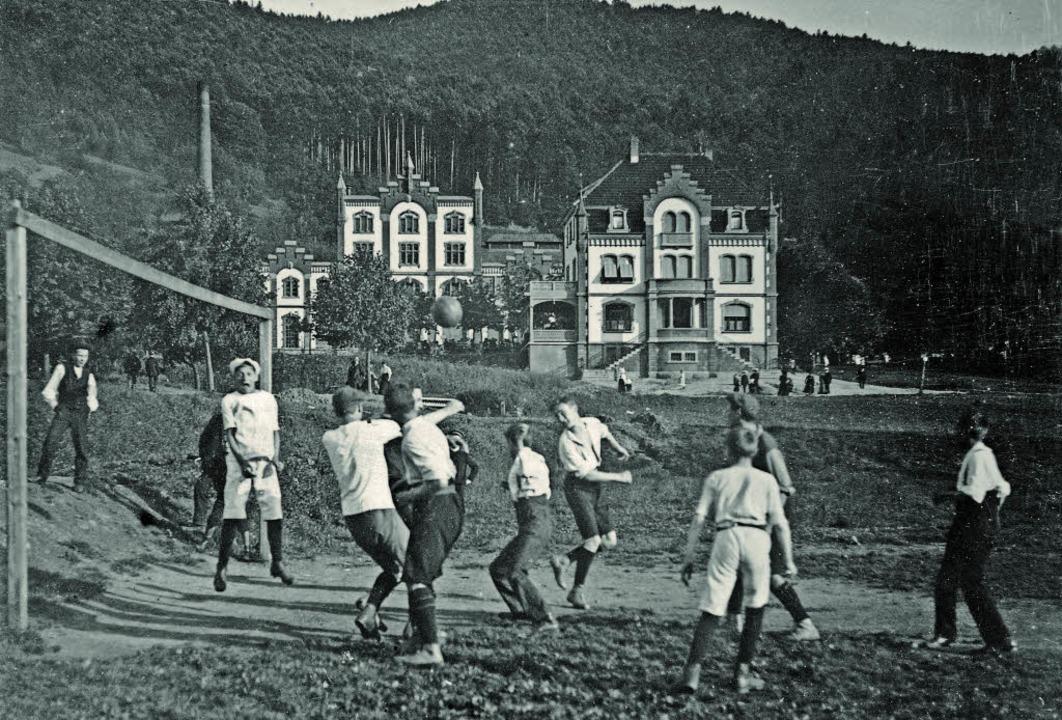 1912 wurde am Stadtrain vor der Kuliss...ungen nicht nur den alten Braukessel.   | Foto: Fotos: Sammlung Ingold/tak