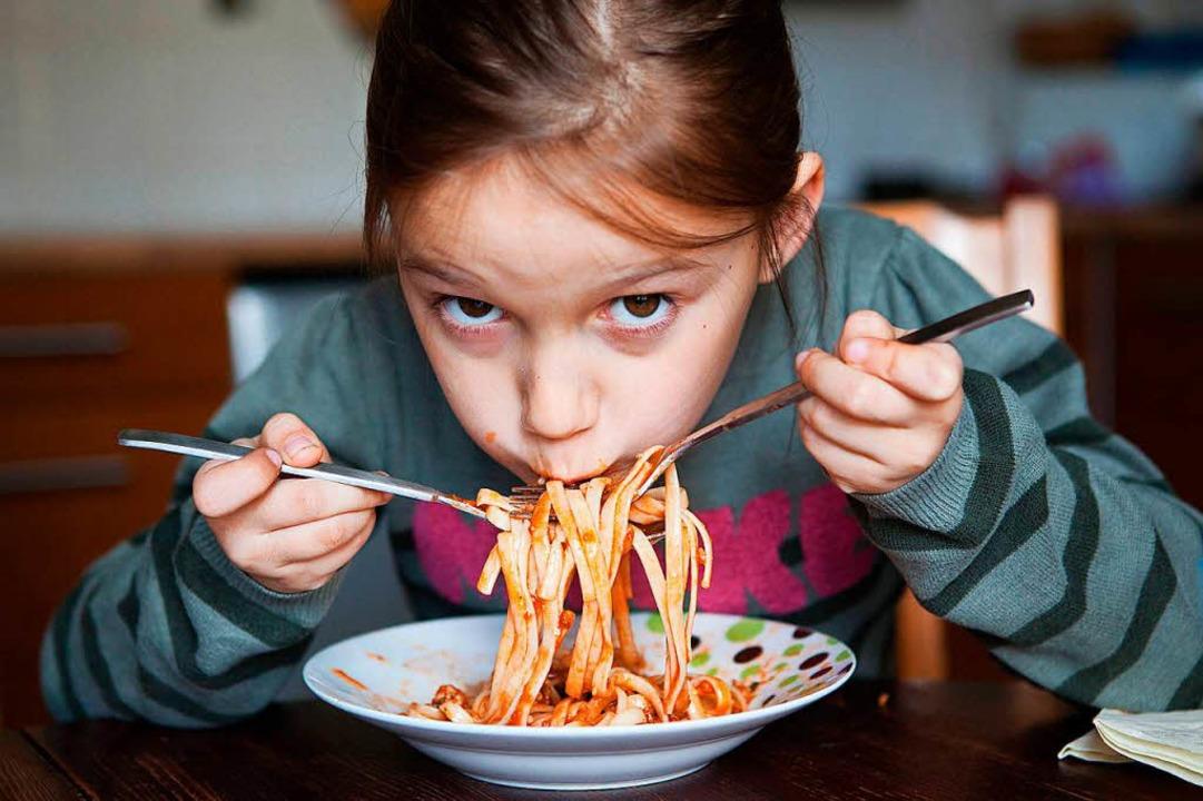 Tischmanieren sind nicht nur im Restaurant wichtig.  | Foto: Silvia Marks