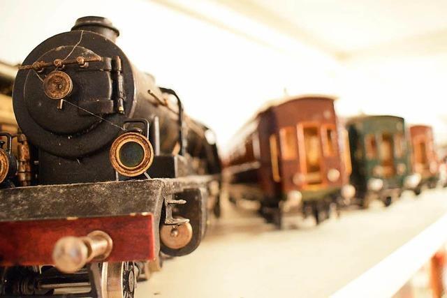Bad Krozinger Ehepaar veräußert historische Spielzeuge