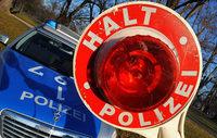 Gefährliche Aktion: Mann versucht Fahrzeuge anzuhalten