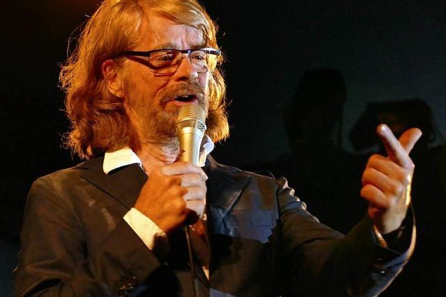 Helge Schneider kommt 2019 nach Freiburg – und du kannst Freikarten gewinnen