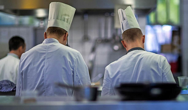 Befristete Arbeitsverhältnisse sind na...d Genussmittelbranche weit verbreitet.  | Foto: Jens Büttner (dpa)