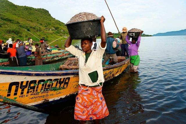 Fisch gegen Sex: Wie Händlerinnen am Victoriasee von Fischern missbraucht werden