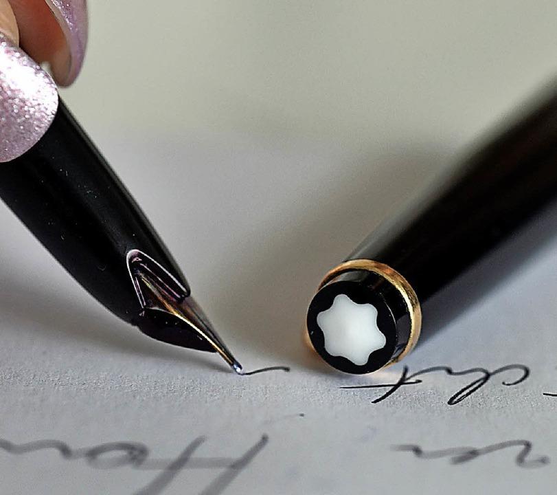 Der Füller ist weiterhin beliebt.   | Foto: DPA