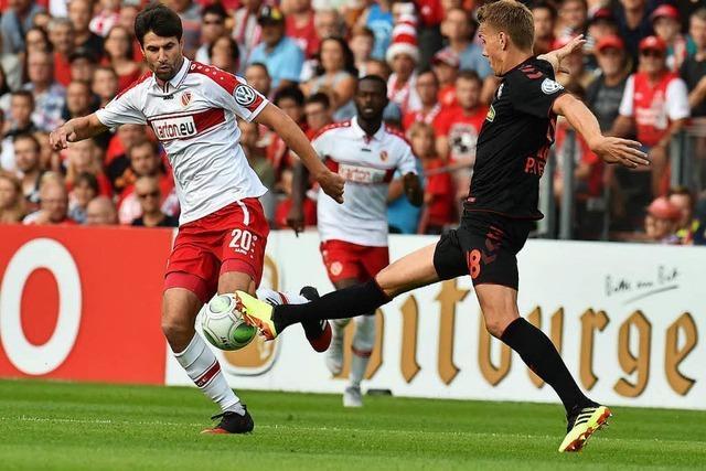 Entscheidung im Elfmeterschießen: SC Freiburg siegt 3:5 in Cottbus