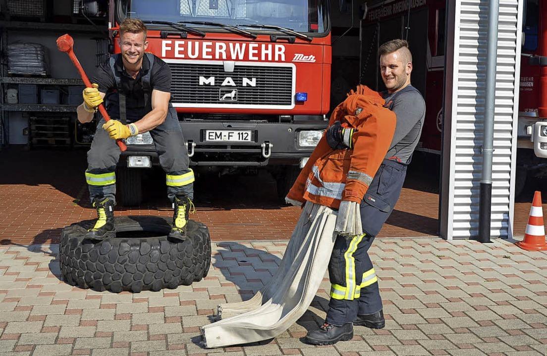 Philipp Kaiser (links) und Tobias Gut ...m Feuerwehrgerätehaus in Rheinhausen.   | Foto: Jörg Schimanski