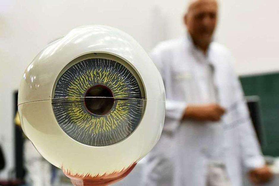 Spannende Einblicke ins Auge gab's für BZ-Leserinnen und -Leser in der Augenklinik. (Foto: Rita Eggstein)