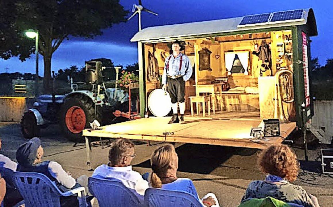 Der Schauspieler und Schwarzwälder Kab...0; beim  Winzerkeller Auggener Schäf.     Foto: Privat