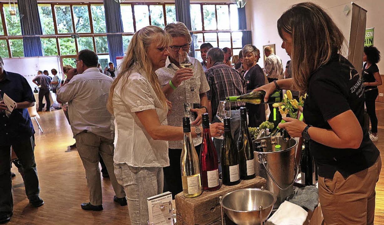 67 Weine und Sekte von neun Schliengen...im Schliengener Bürger- und Gästehaus.  | Foto: Dorothee Philipp