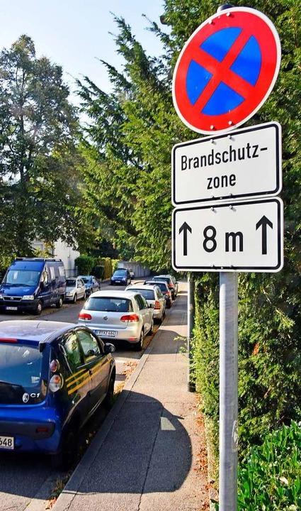 Parkplätze sind Mangelware in Zähringe...l da, wo er es eigentlich nicht darf.   | Foto: Michael Bamberger