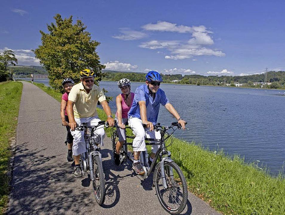 Viele Radler und Wanderer besuchen den...neuen Naturzentrum vermittelt werden.   | Foto: zvg