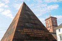 Die Pyramide steht bald wieder frei auf dem Karlsruher Marktplatz