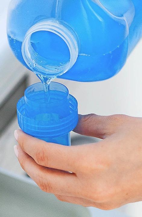 Saubere Wäsche mit reinem Gewissen? Gar nicht so einfach.     Foto: dpa