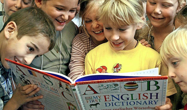 Erstklässler bekommen auch in Hinterza...ljahr keinen Englischunterricht mehr.   | Foto: DPA