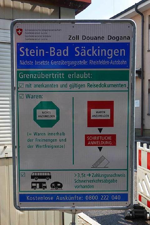 Ist das Ausfuhrscheine-Stempeln am Gre... das Verfahren digital abwickeln soll.  | Foto: Felix Held