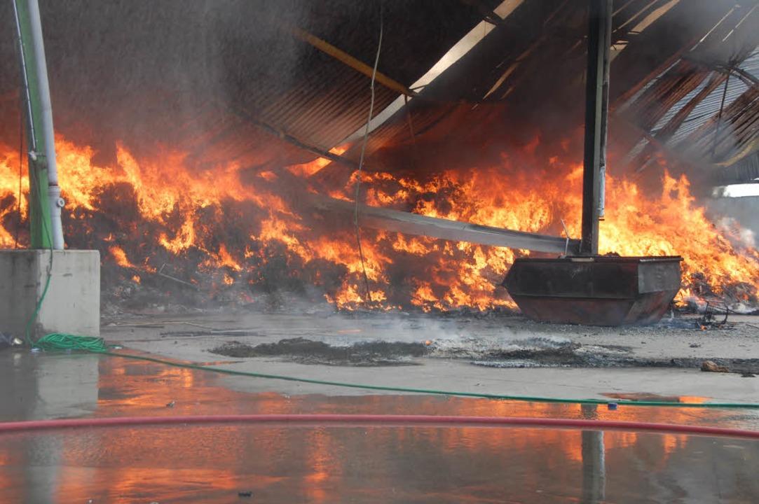 Flammeninferno  | Foto: Herbert Frey