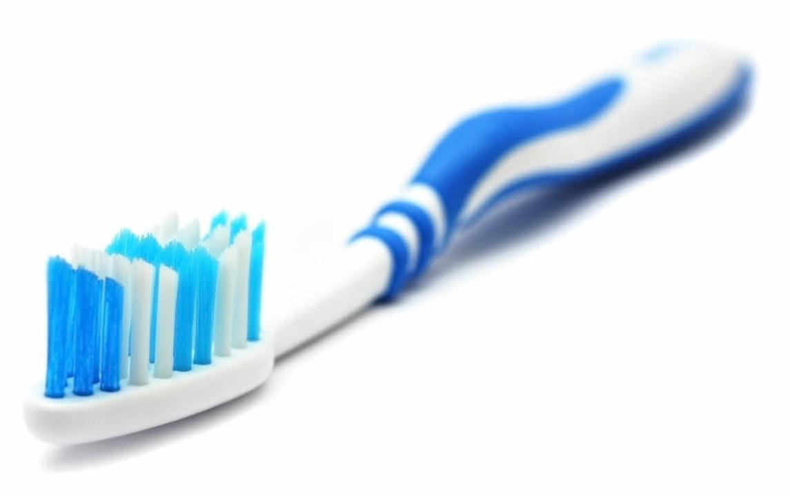 Selbstverständlich nach  DIN: Zahnbürsten und Feuerwehrschläuche  | Foto: -