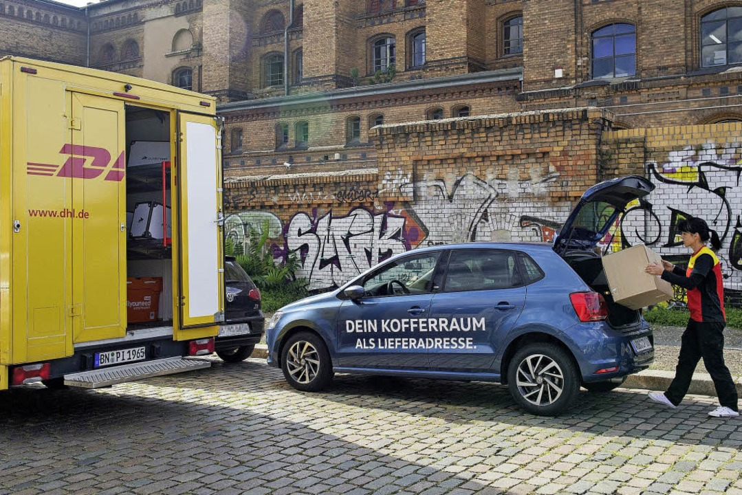 Zustellung direkt ins parkende Auto &#... ausgewählten Serienmodellen anbieten.  | Foto: Volkswagen