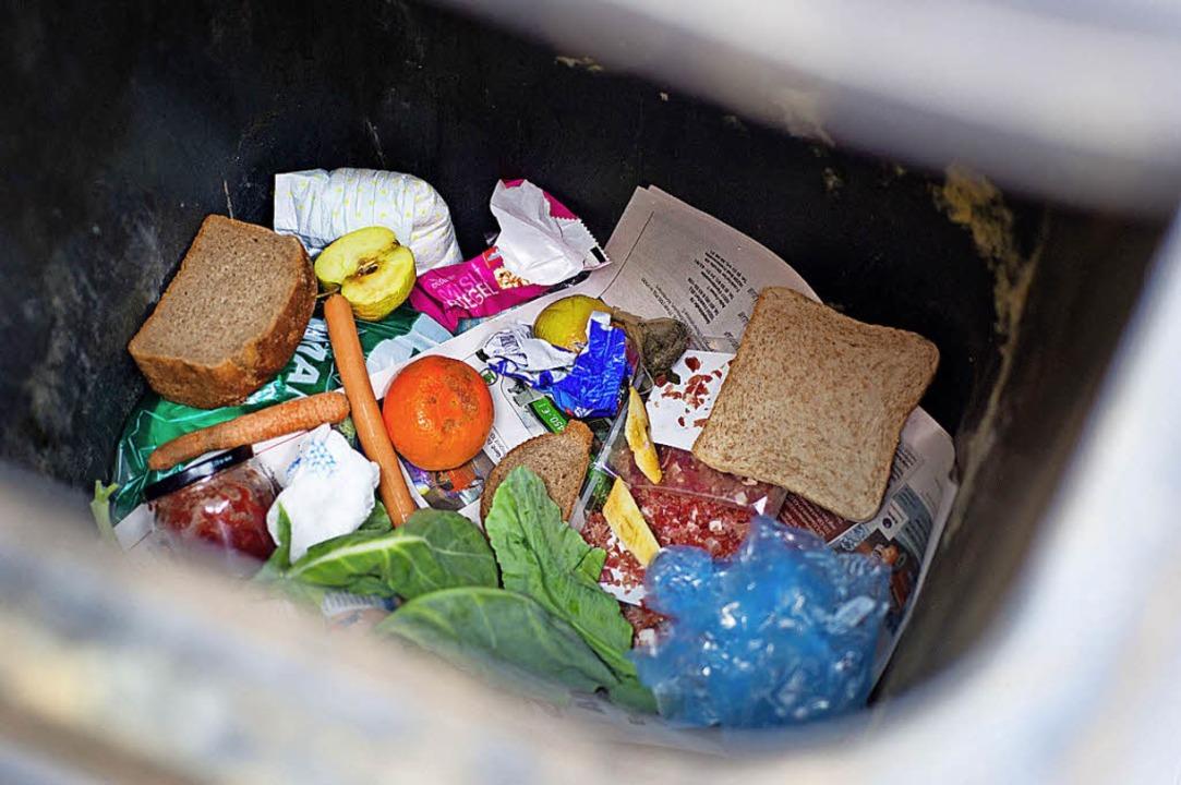 Der Kanton Basel-Stadt startet eine Informationskampagne gegen Food Waste.     Foto: dpa