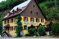 """Gasthaus """"Zwei Tauben"""" an der B31 soll wiederbelebt werden"""