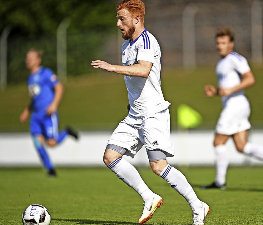 <BZ-FotoAnlauf>Verbandsliga:</BZ-FotoA... ersten Saisonsieg: Florian Metzinger.    Foto: Patrick Seeger