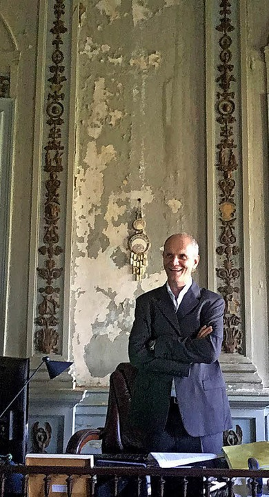 Direktor Alexander Kellner in einem vo...eten Raum. Das Bild entstand im Juni.   | Foto: Farmbauer