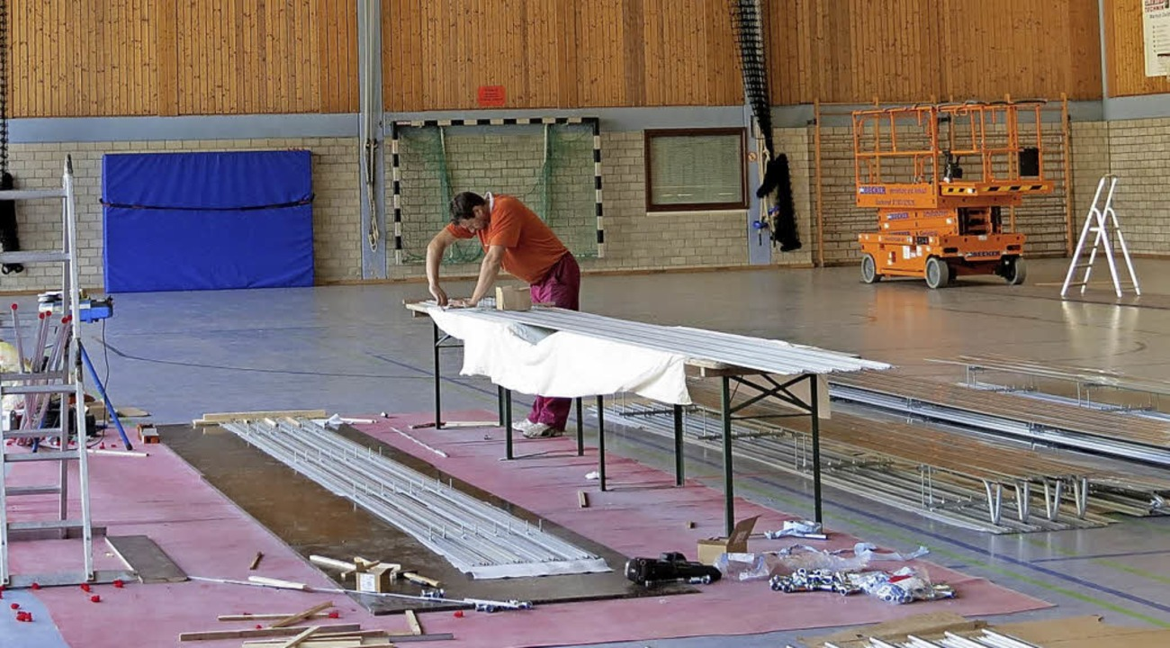 In der Sporthalle wurden Deckenstrahlplatten aufgebracht.   | Foto: Gemeinde