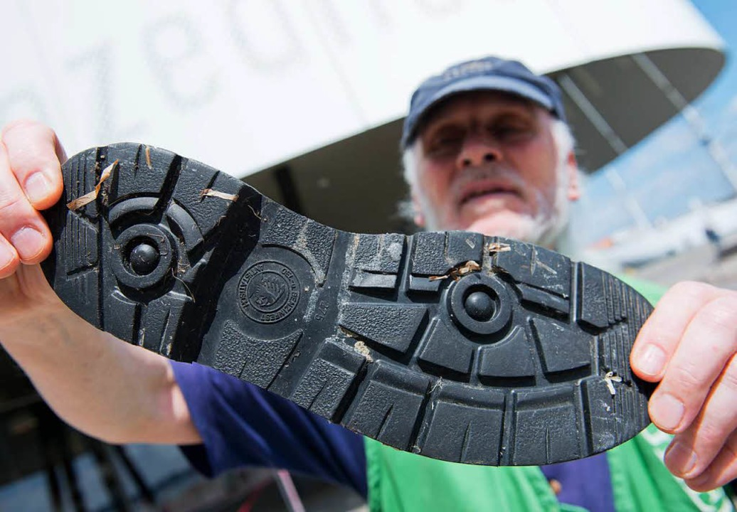 Schuhsolen sind eine der größten Quellen von Mikroplastik.  | Foto: dpa