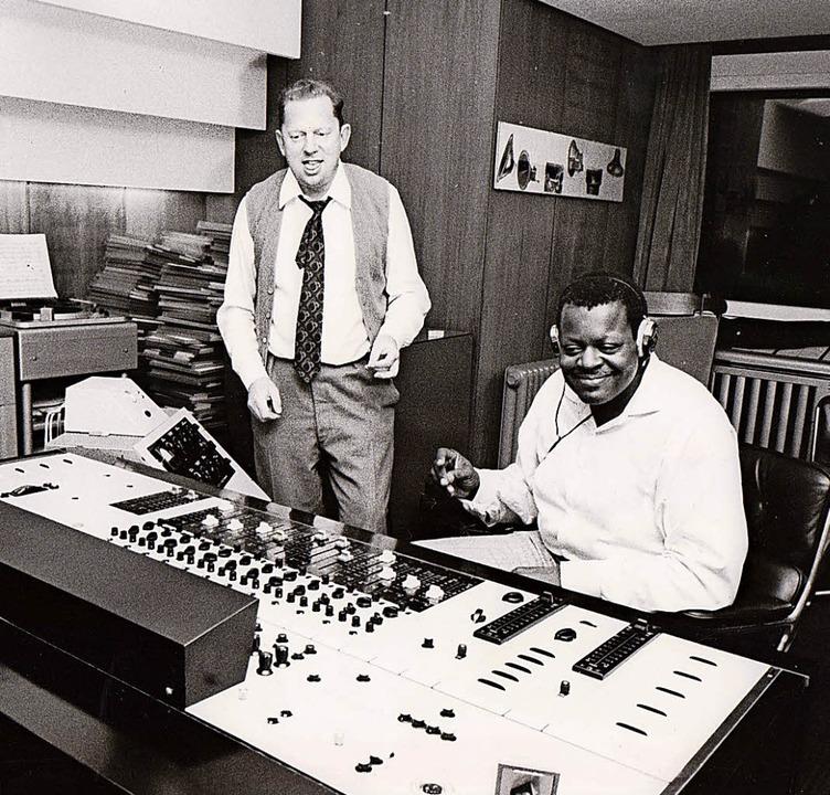 Hans Georg Brunner-Schwer mit Oscar Pe...kes Bild) und Friedrich Gulda (rechts)  | Foto: German Hasenfratz