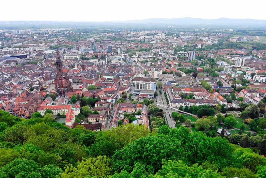 Manchmal braucht es einen Blick von au...genarten einer Stadt voll zu erkennen.  | Foto: Frank Ohlhoff