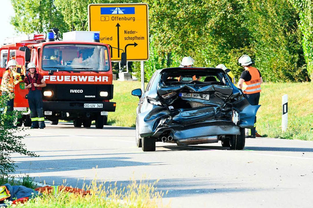 Vier Schwerverletzte hat es bei dem Unfall bei Niederschopfheim gegeben.  | Foto: Wolfgang Künstle