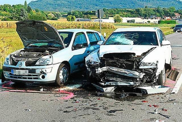 Vier Schwerverletzte bei Unfall bei Niederschopfheim – B3 wieder frei