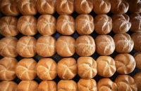 Bäcker rechnen mit teureren Brötchen
