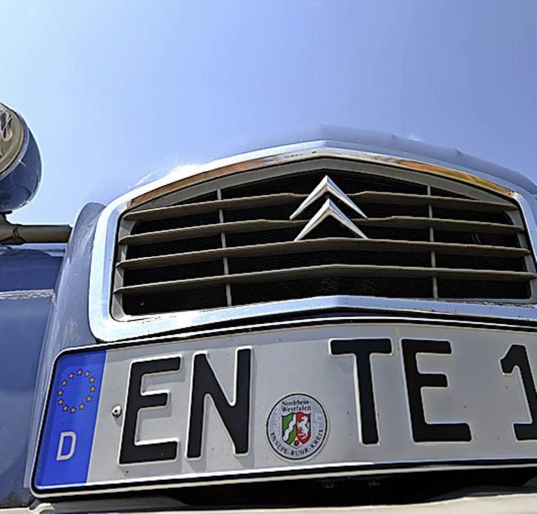 Nicht immer reicht das D im Euro-Kennzeichen.   | Foto: dpa