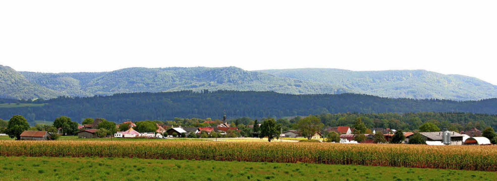 Blumegg liegt wunderschön auf einer Anhöhe in herrlicher Landschaft.   | Foto: Johannes Renner