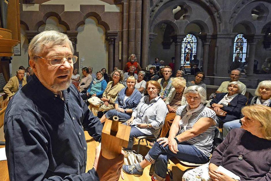 Organist Bernhard Marx stellte die eindrucksvolle Metzler-Orgel in der Johanniskirche vor. (Foto: Michael Bamberger)