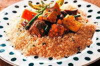 In einem Kreuzberger Restaurant kochen Flüchtlinge Gerichte aus der arabischen Küche