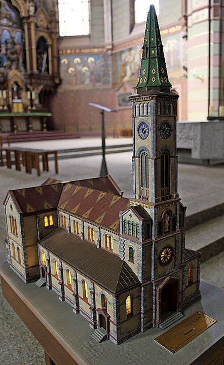 In der Bräunlinger Stadtkirche steht e...Modell wurde schon wieder beschädigt.   | Foto: Simon