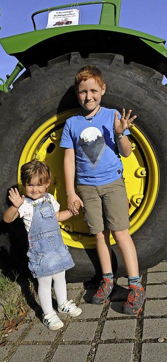 So groß sind die Hinterräder des John Deere  | Foto: Markus Zimmermann