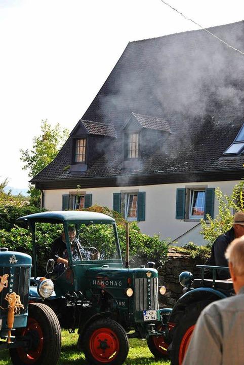 Ein alter Hanomag macht mächtig Dampf.  | Foto: Ralph Fautz